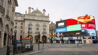 Piccadilly Circus by Jon Cartwright