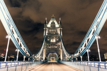 Tower Bridge by Genaro Bardy