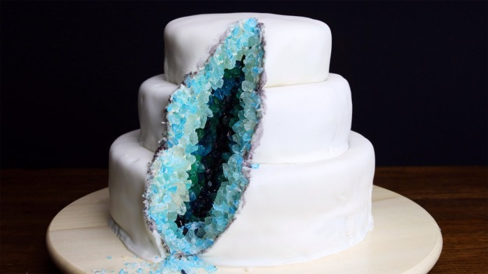 Gemstone cake is a thing now